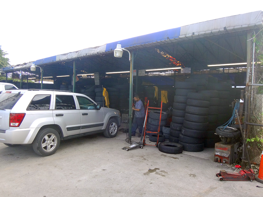 Redland-Market-Village-Car-Repair