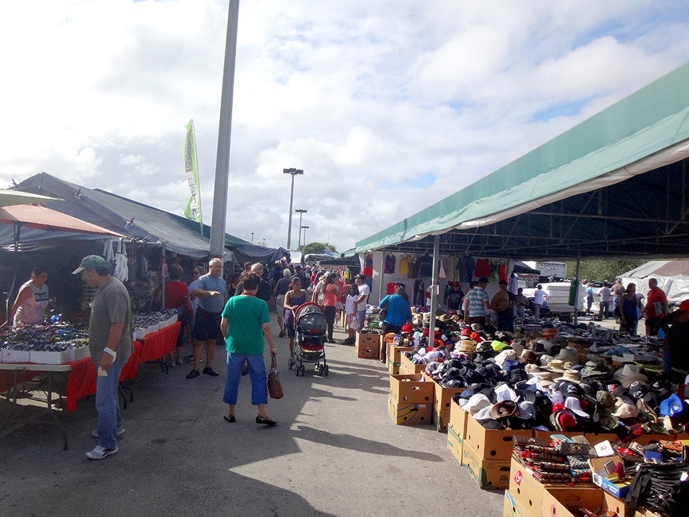 Flea Market Miami >> Flea Market Indoor Out Door Redland Market Village