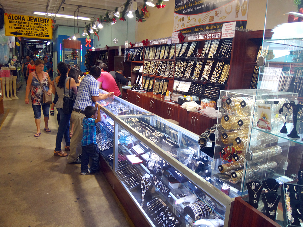 Redland-Market-Village-Jewlery-Shopping
