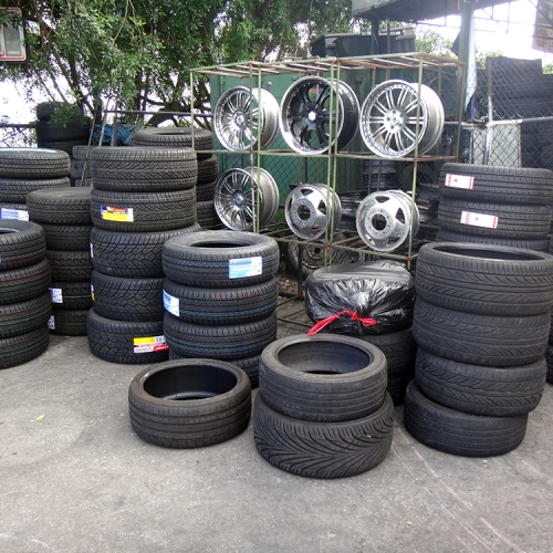 Redland-Market-Village-Tire-Shop